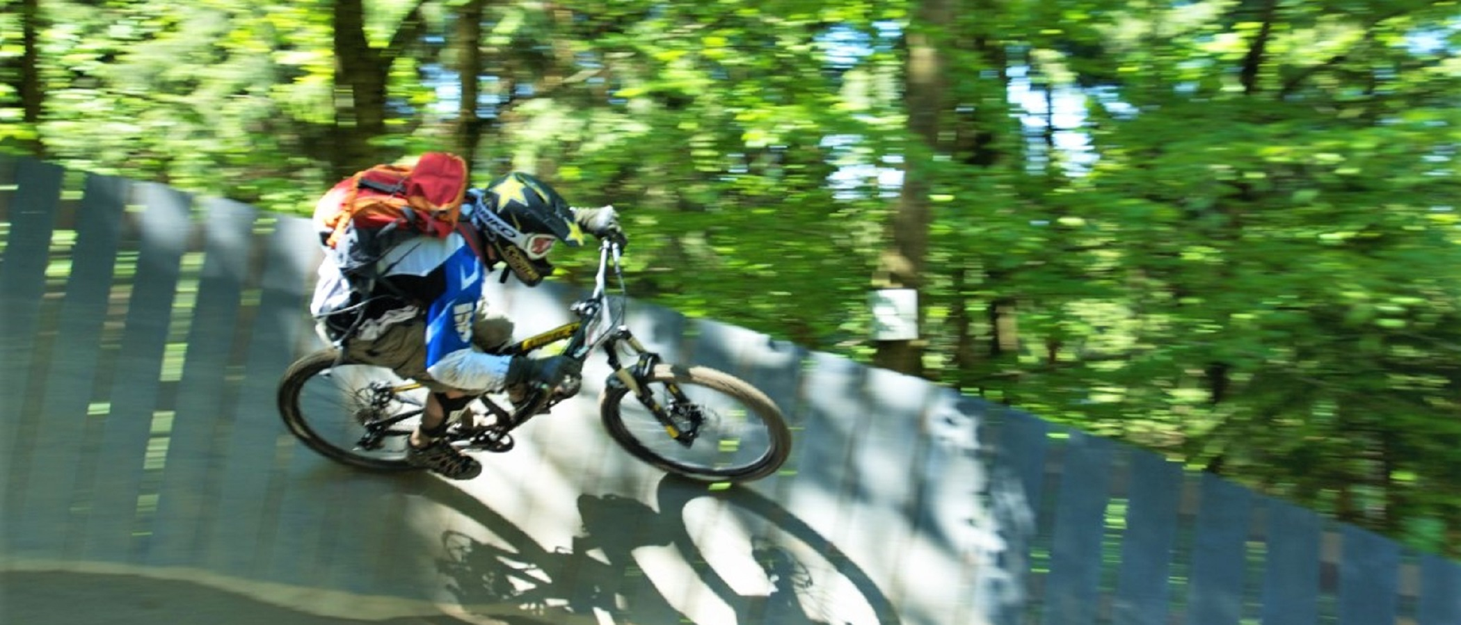 Mountainbiken Downhill.jpg